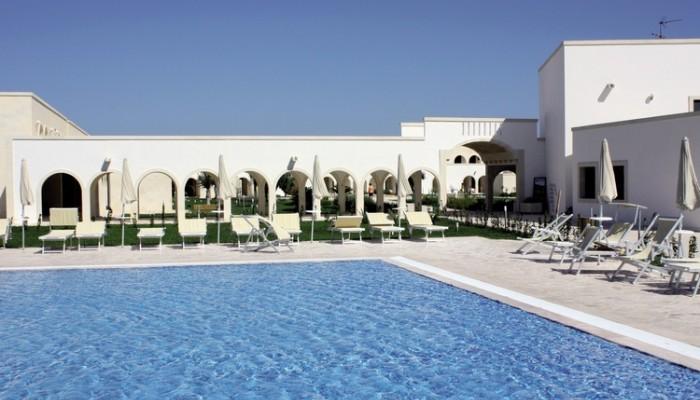 Villaggio Corte del Salento piscina