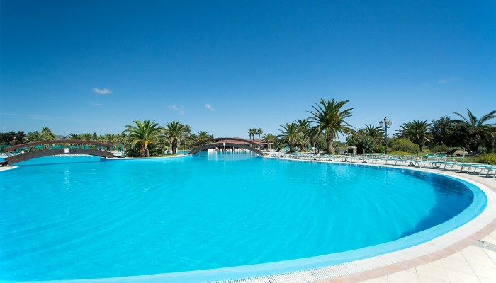 Club Hotel Marina Beach resort piscina