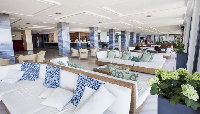 Hotel club Costa Verde hall