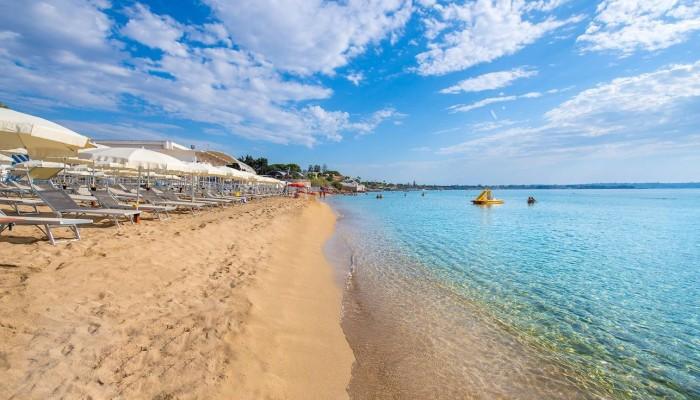 VOI Arenella Resort spiaggia