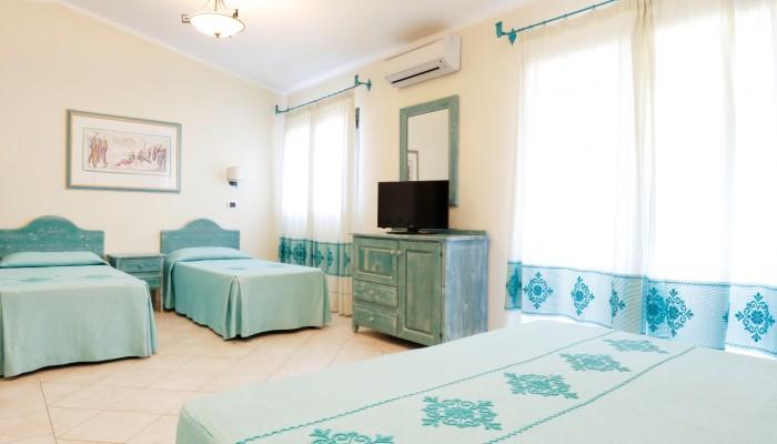 Club Hotel Baia Aranzos camera quadrupla letti piani