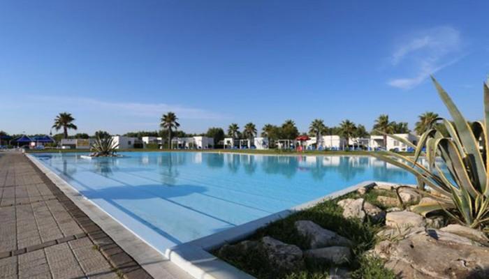 Futura Club Torre Rinalda piscina