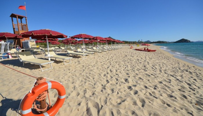 Limone Beach resort cala sinzias