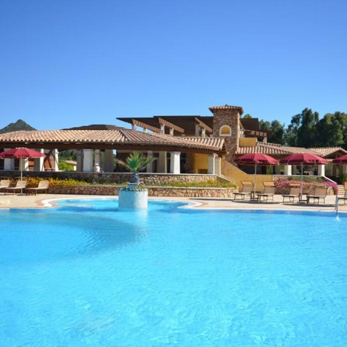 Limone Beach resort piscina