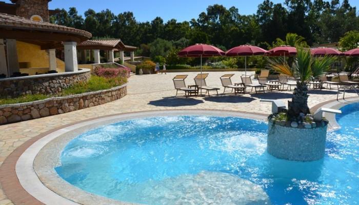 Limone Beach vista piscina