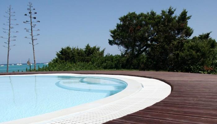 Roccaruja piscina
