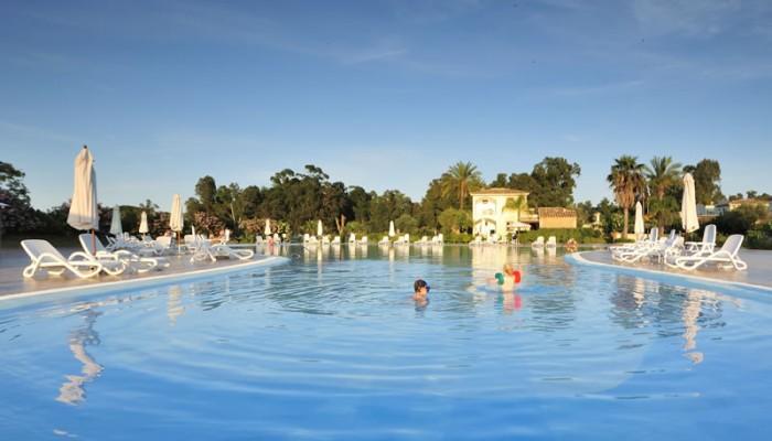 Torre Navarrese piscina