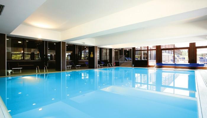 Sansicario Majestic piscina