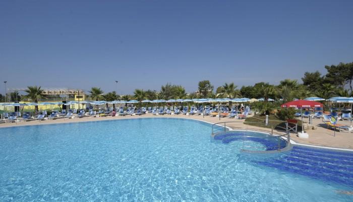 Blu Salento Village piscina vista