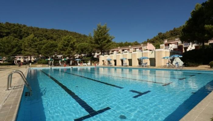 Pugnochiuso resort piscina vista