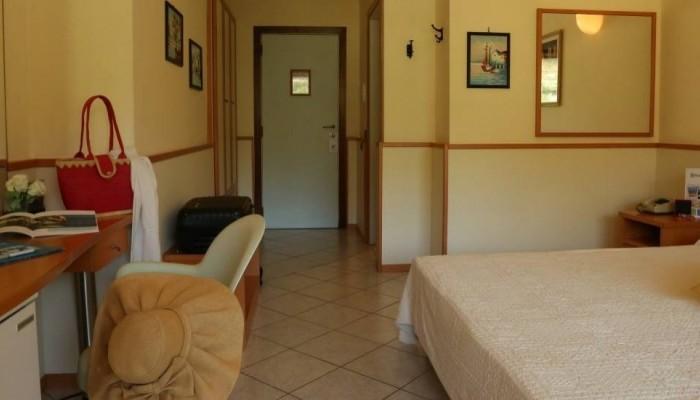 Pugnochiuso resort Hotel degli Ulivi camera