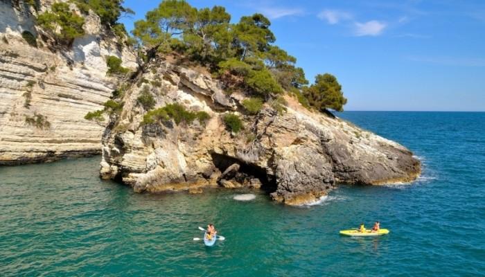 Pugnochiuso resort mare