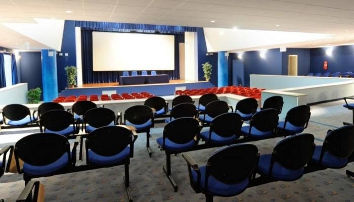 Pugnochiuso resort centro congressi