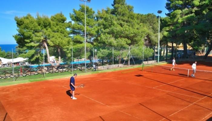 Pugnochiuso resort tennis