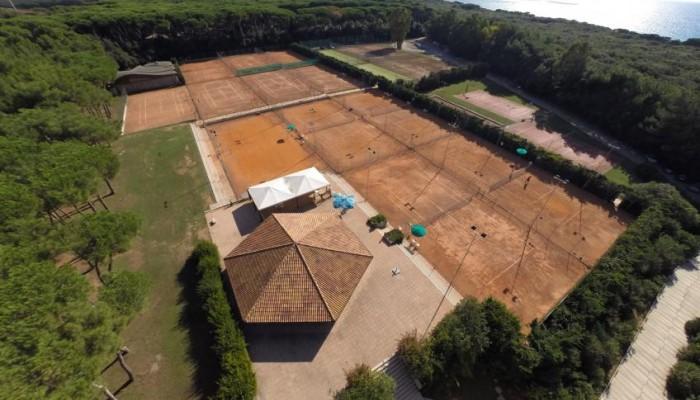 Garden Toscana Resort vista campi sportivi