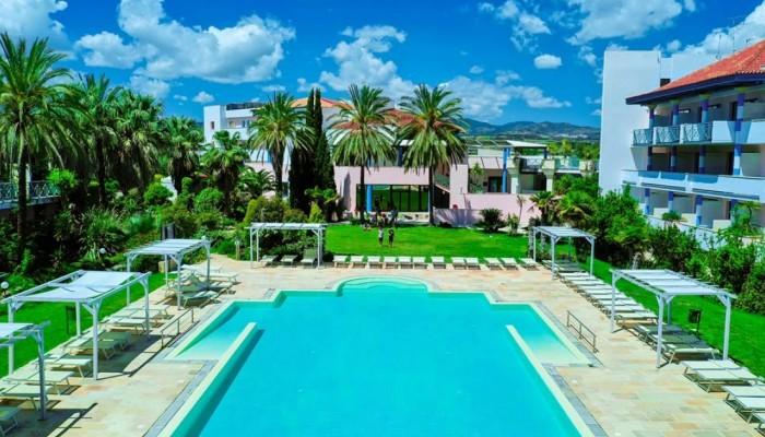 Villaggio Giardini d'Oriente vista piscina